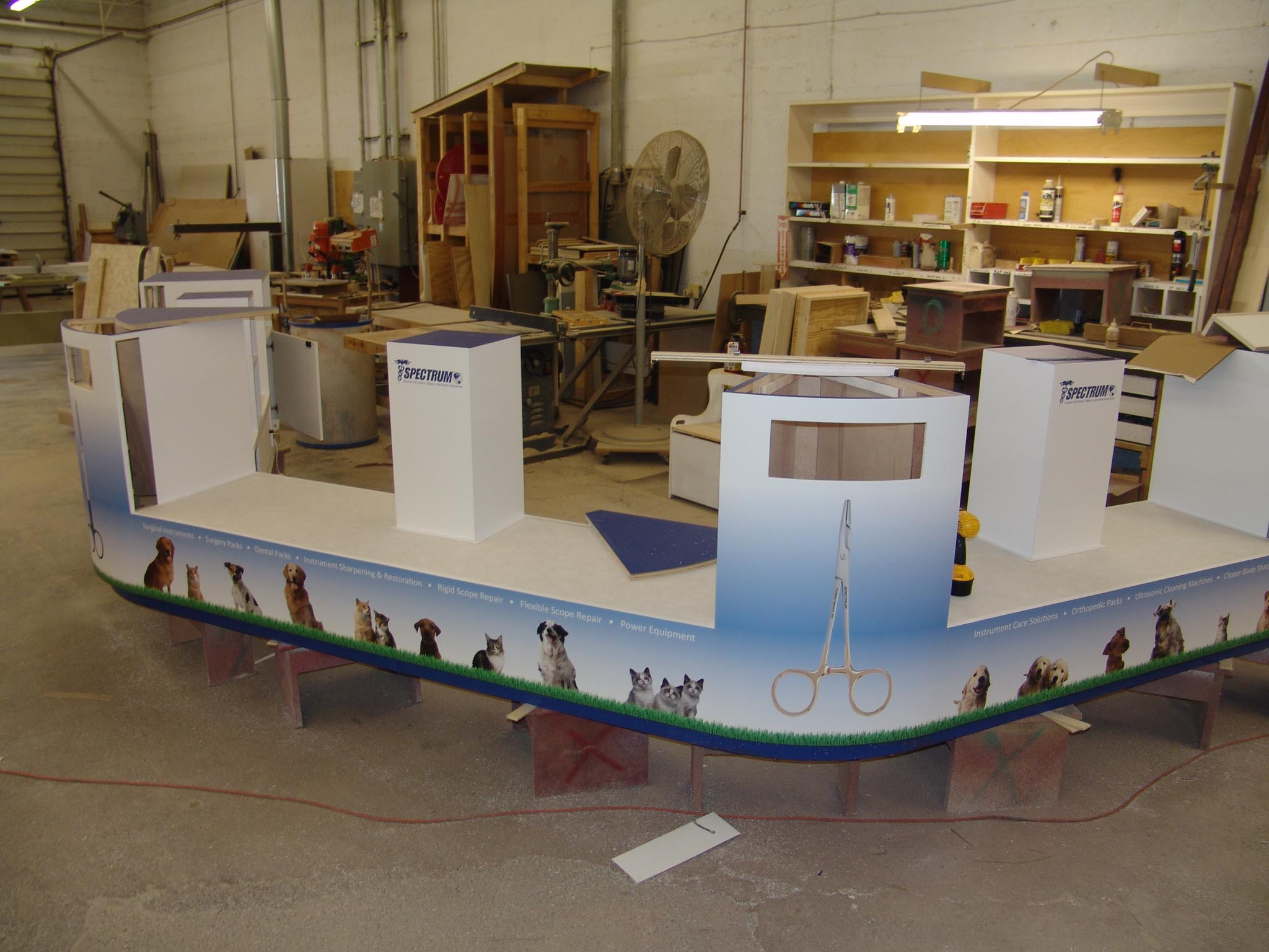 Exhibition Booth Fabrication : Trade show fixtures
